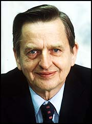 Olof Palme was born in Sweden on January 30, 1927. He served in the Swedish army in World War II and began his higher education in Sweden, earning a law ... - palme20